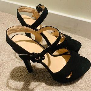 Women heels size 6